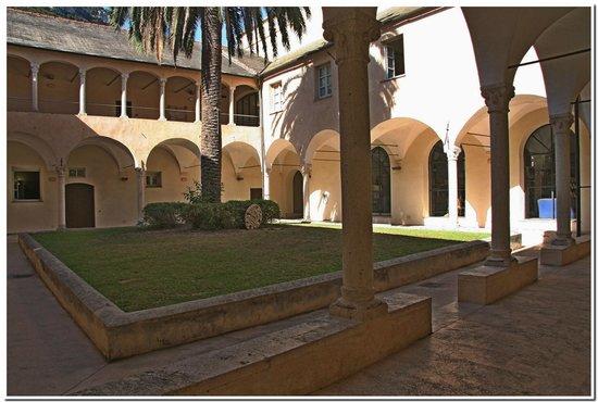 Museo Archeologico del Finale - Convento di Santa Caterina: FinalBorgo:Chiostro di Santa Caterina.