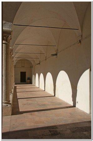 Museo Archeologico del Finale - Convento di Santa Caterina: Chiostro di Santa Caterina.