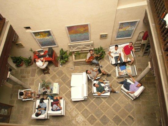 Al-Andalus Hostel: Espaço de convívio