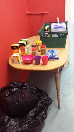 Tribal Hostel London: The £2.50 Breakfast. Rubbish bins adjacent. Don't worry, there is a Tesco across the street.