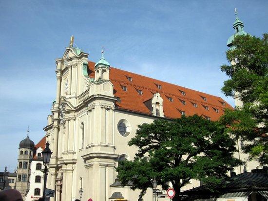 St. Peter's Church: Peterskirche