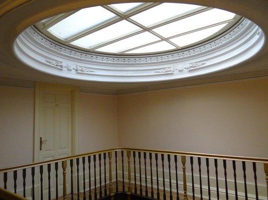 Pedra Iberica: Hotel top floor corridor