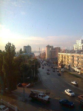 Ukraine Hotel: Widok z 5 piętra na rzekę Don i zalew. Fot. WG