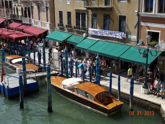 Oro Argento Pietre Dure: View of Restaurant (Green awning) from top of Rialto Bridge