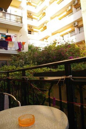 Angeliki Apartments: vista dal balconcino