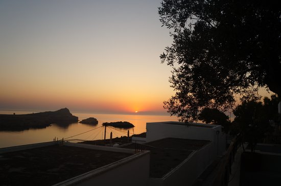 Maris Studios Lindos: Sunrise from apartment