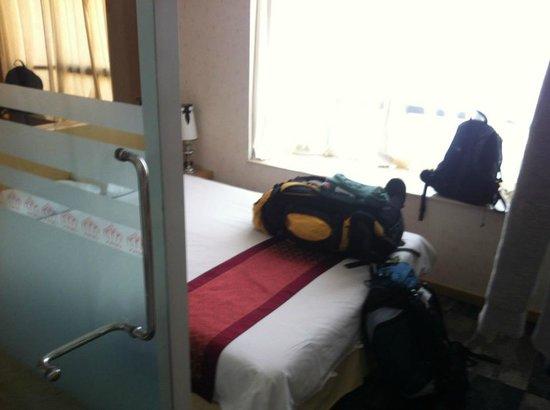 The Crown Borneo Hotel: Camera