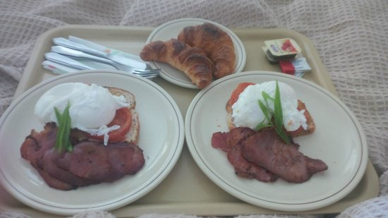 Wombat Cottage B&B: delicious meal for breakfast