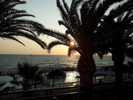 Hotel Club Village Costa Elisabeth : Vista dalla camera: l'alba
