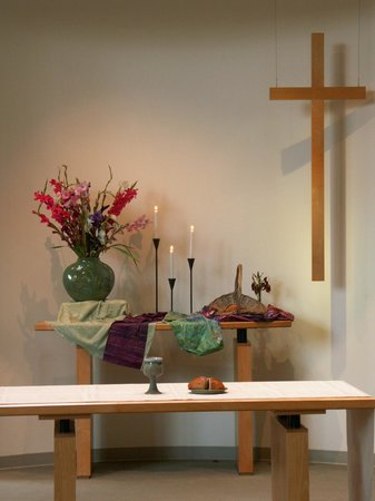 United Church of Chapel Hill : The table welcomes everyone for communion.