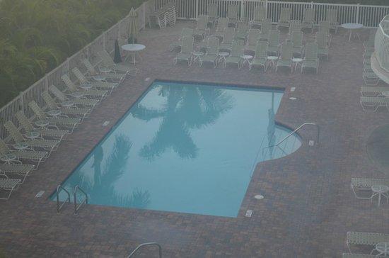 Crystal Palms Beach Resort: The Pool