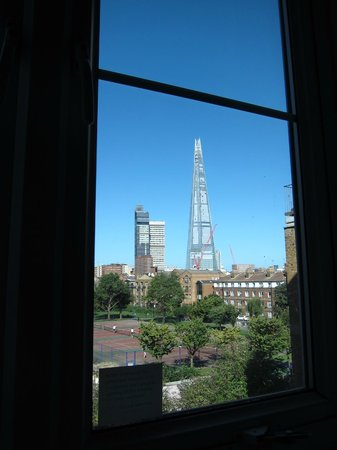 Premier Inn London Tower Bridge Hotel: Great view of the Shard