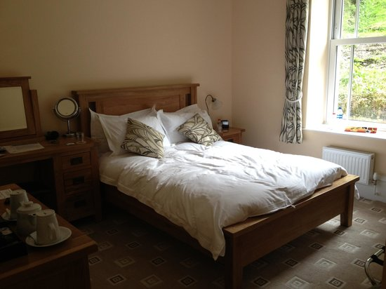 Wildercombe House : Our room- it was alot neater when we got there