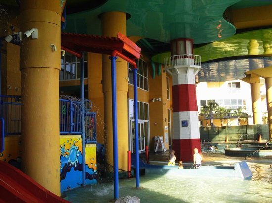 Splash Resort Condominiums: Covered Kiddie Pool