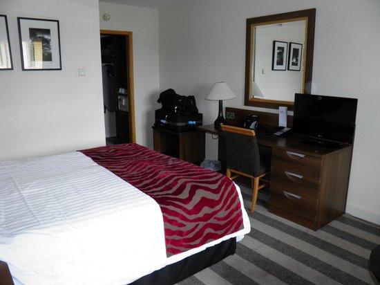 Maldron Hotel Belfast International Airport: My room