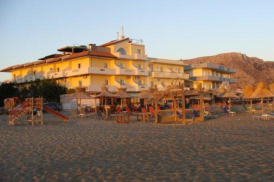 Aptera Beach: The hotel at sunrise
