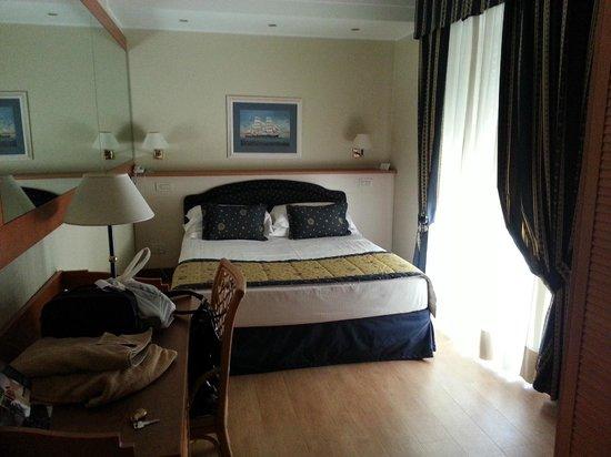 Suite Hotel Maestrale: camera standard
