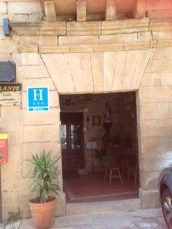 Hotel Palacio Guzmanes: entrada