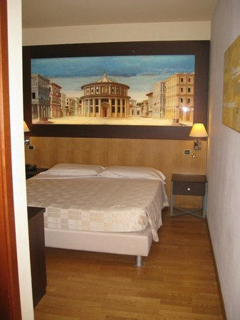 West Florence Hotel: Double bedroom