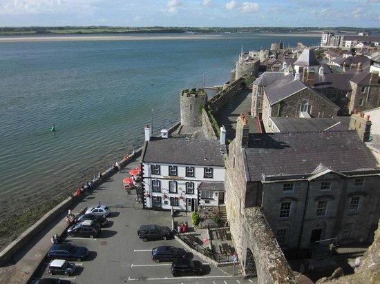 The Anglesey Arms: vista desde el castillo