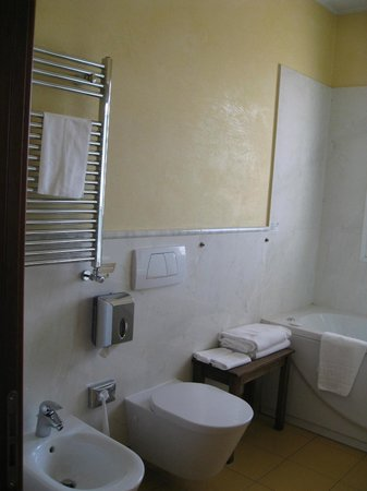 West Florence Hotel: Bathroom