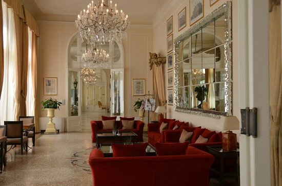 Grand Hotel Rimini : Room off lobby