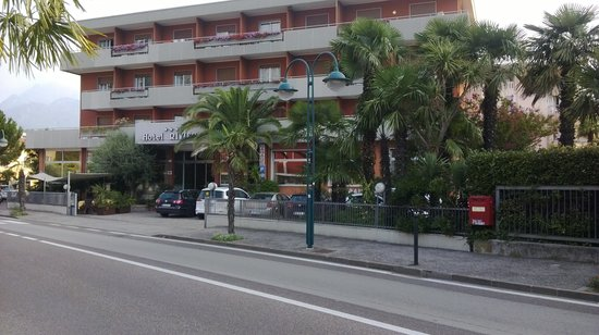 Hotel Riviera: the hotel as we left Saturday morning