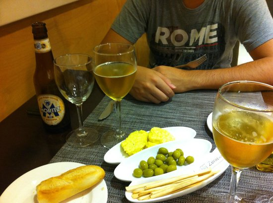 Hotel Zenit Lleida: Nice hotel with a perfect restaurant!