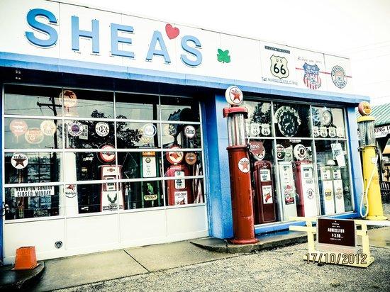 Shea's Gas Station: Sheas - facade