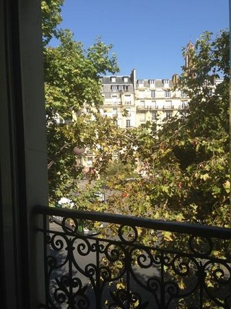 Hotel Le Villiers : Balcony view