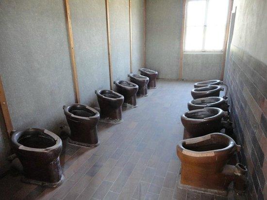I bagni - Foto di Memoriale del Campo di Concentramento di Dachau ...