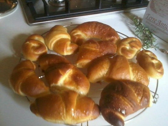 Agriturismo Montelovesco: Croissant feito na hora