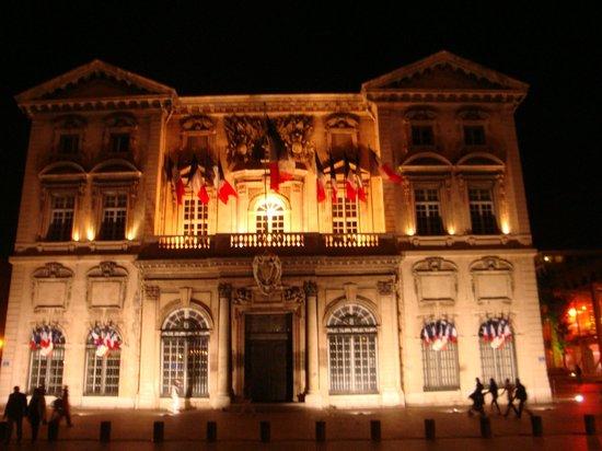 Ibis Budget Marseille l'Estaque: Hôtel de Ville de  Marseille