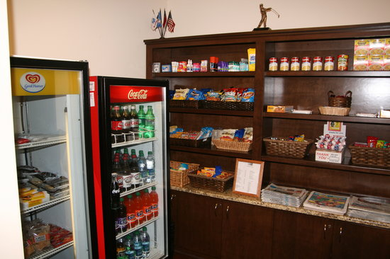 Country Inn & Suites Fayetteville - Ft. Bragg: Sweet Shop