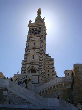 Ibis Budget Marseille l'Estaque: Basilique Notre-Dame-de-la-Garde