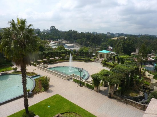 Sheraton Addis, a Luxury Collection Hotel: water fountains