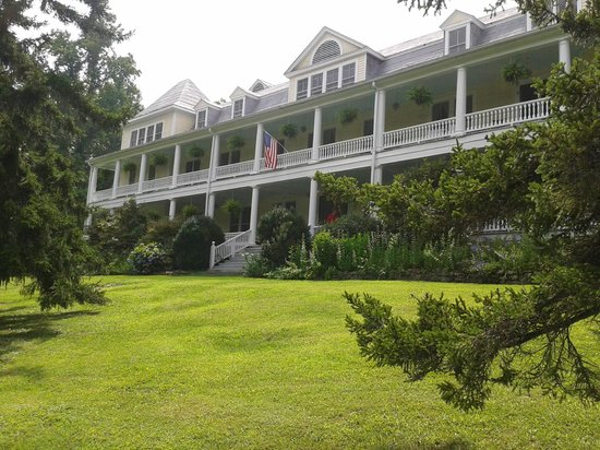 Balsam Mountain Inn & Restaurant: Historic Balsam Inn in the Blue Ridge Mountains of NC