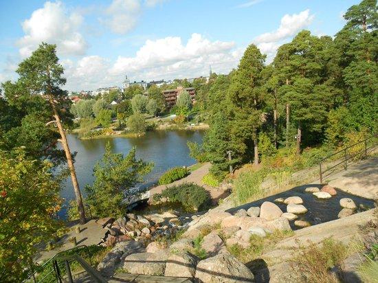 Sapokka Water Garden: В оформлении парка используются камни вторичного пользования