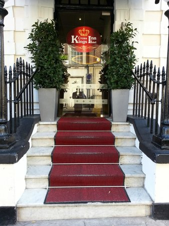 Kings Cross Inn Hotel: Main entrance