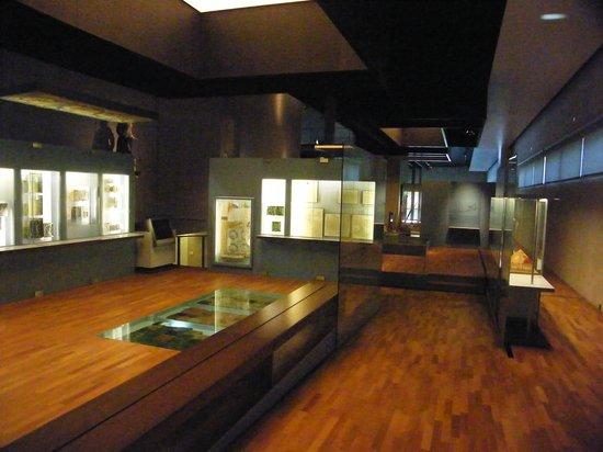 Latenium: uncluttered interior