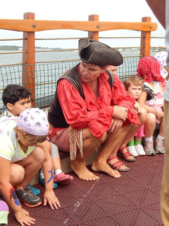 Pirate Adventures Hyannis: The captain talks to his crew