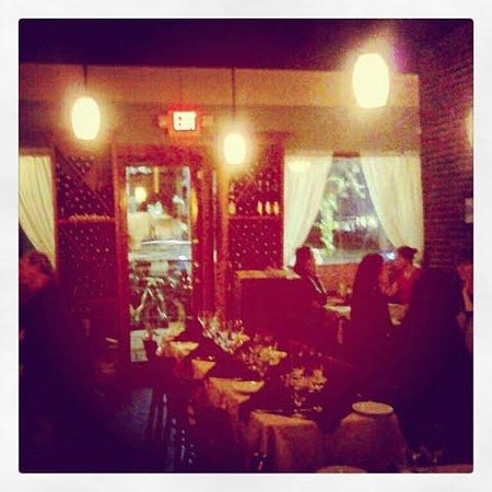 Photo of Italian Restaurant Manuel's Vintage Room at 6 S Main St, Gainesville, FL 32601, United States