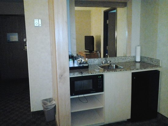 Hampton Inn And Suites Steamboat Springs: outside sink area