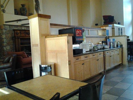 Hampton Inn And Suites Steamboat Springs: Breakfast area