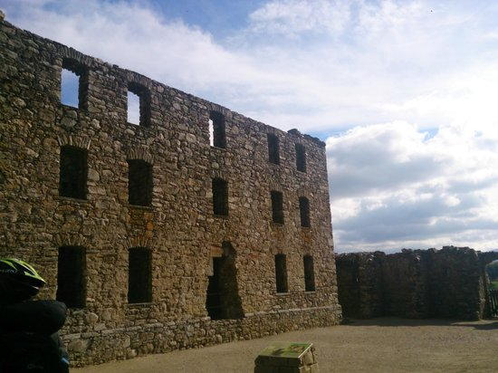 Ruthven Barracks: Inside