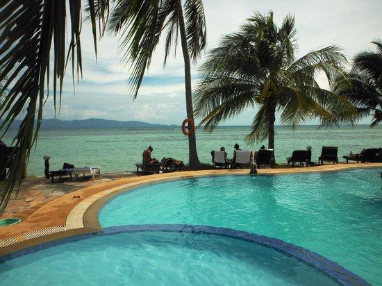 First Villa Beach Resort: .