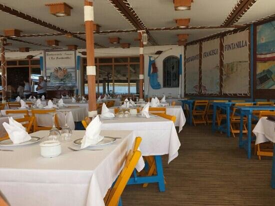 Francisco Fontanilla Restaurante : El comedor exterior.