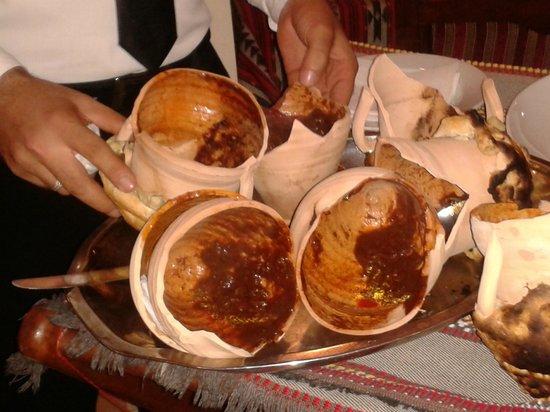 Al-Athar: Il piatto tipico, la giarra