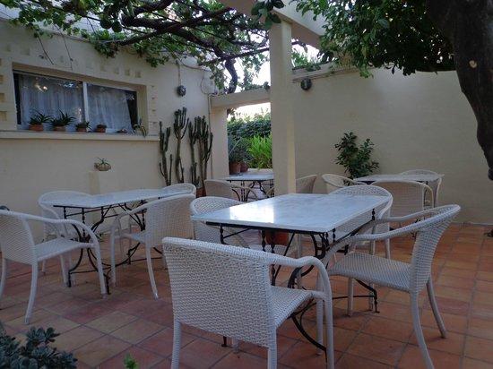 Hotel Orestis : Πριν την πρωινή εξόρμηση