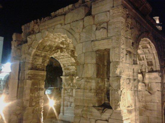 Al-Athar: Arco di Marco Aurelio